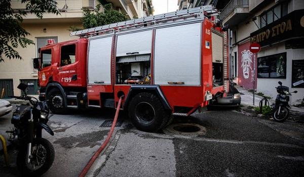 Φωτιά στον Κιθαιρώνα: Διάσπαρτες εστίες στα καμένα. Ενισχήθηκαν οι άνεμοι