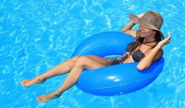 Ουρολοίμωξη και κολύμπι: Τι πρέπει να ξέρετε
