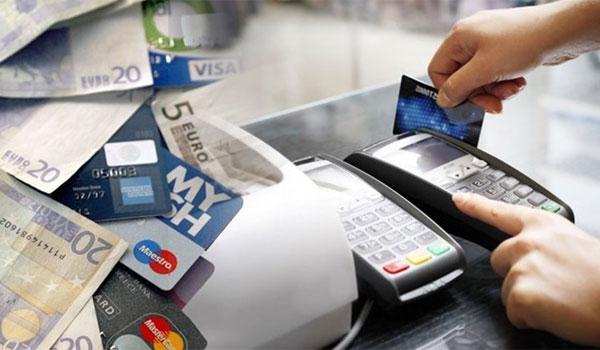 Αλλάζουν όλα στις ανέπαφες συναλλαγές και στις αγορές στο internet με κάρτες - Έντεκα απαντήσεις
