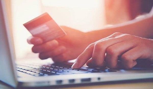 Ιάπωνας απομνημόνευσε τα στοιχεία 1.300 πιστωτικών καρτών για να κάνει αγορές