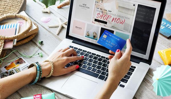 Τι αλλάζει από τις 14 Σεπτεμβρίου σε ανέπαφες συναλλαγές και αγορές με κάρτα μέσω Ιντερνετ