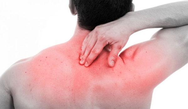 Κάψιμο στην πλάτη: Για ποιες παθήσεις προειδοποιεί
