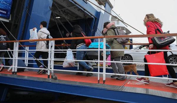 Αναχωρούν κατά χιλιάδες οι εκδρομείς: Πόσοι έχουν φύγει