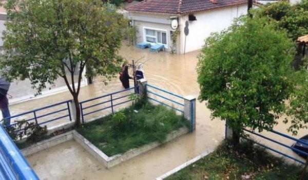 Πλημμύρες και εικόνες καταστροφής λόγω κακοκαιρίας στην Ηλεία. Βούλιαξε και η Λευκάδα