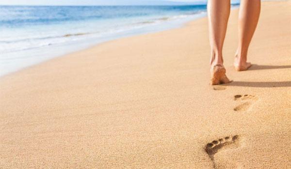 Μικρά μυστικά για λαμπερή επιδερμίδα και όμορφα πόδια