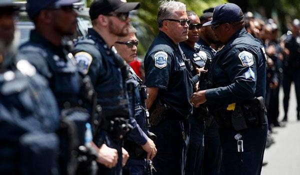 ΗΠΑ: Τουλάχιστον 24 αστυνομικοί τραυματίστηκαν σε συγκρούσεις με διαδηλωτές στο Μέμφις