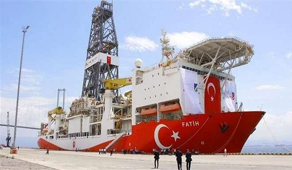 Στην Κύπρο τουρκικά πλοία για το γεωτρύπανο Πορθητής