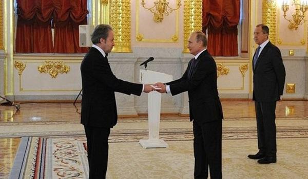 Μετατίθεται ο Έλληνας πρέσβης από τη Μόσχα