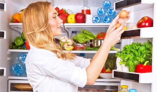 Πέντε τροφές που κακώς βάζουμε στο ψυγείο