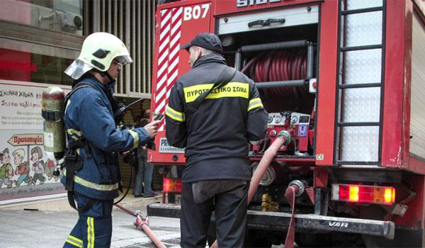 Αναστάτωση στο κέντρο της Λαμίας: Πυρκαγιά σε διαμέρισμα από διαρροή υγραερίου