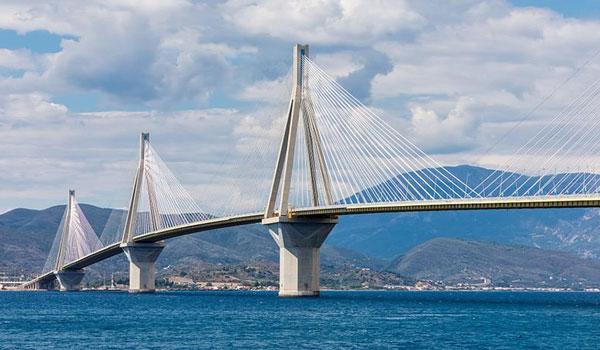Γυναίκα προσπάθησε να αυτοκτονήσει από τη γέφυρα Ρίου – Αντιρρίου