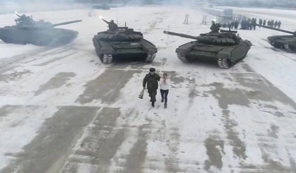Ρωσία: Της έκανε πρόταση γάμου υπερπαραγωγή την ημέρα του Αγίου Βαλεντίνου
