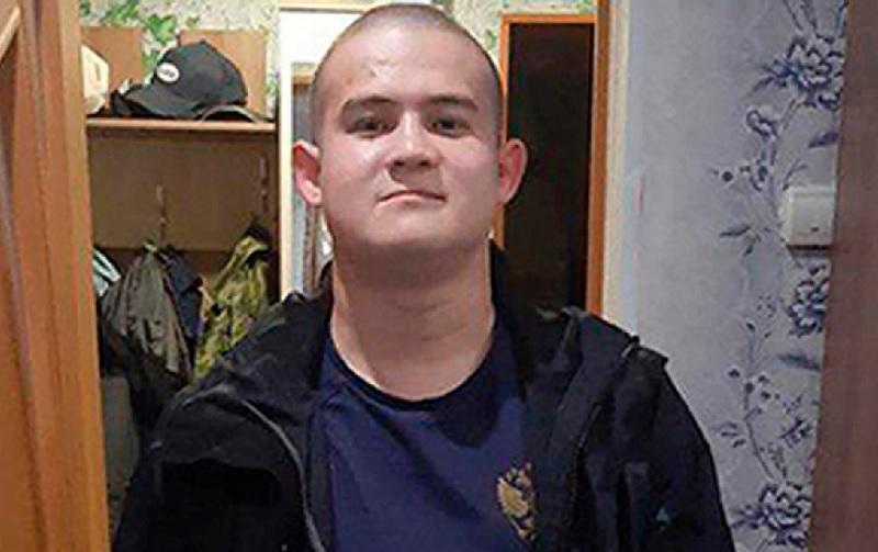 Σκότωσε οκτώ στρατιώτες για να καταγγείλλει τα καψόνια