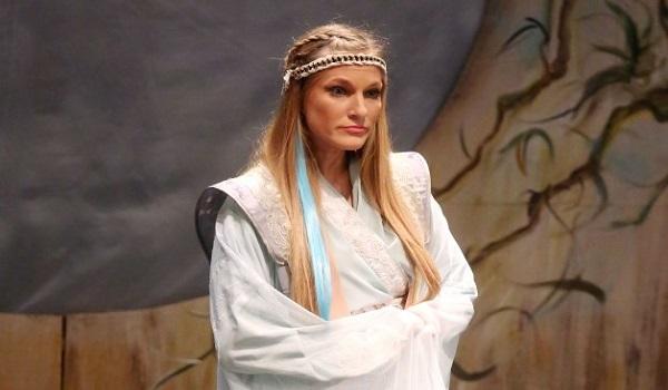Σάρα Εσκενάζυ: Η απώλεια του παππού λίγες ώρες πριν τη θεατρική της πρεμιέρα