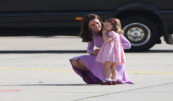 Σάρλοτ: Η μικρή πριγκίπισσα  μιλά ήδη και ισπανικά