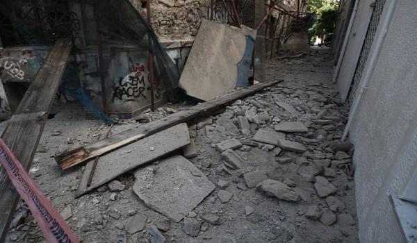 """Σεισμός στην Αθήνα: Ο Εγκέλαδος """"χτύπησε ξανά""""  20 χρόνια μετά - Ξύπνησαν μνήμες 1999"""