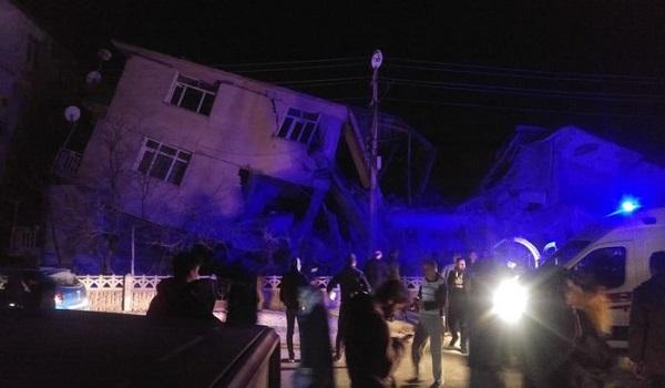 Σεισμός στην Τουρκία: Τουλάχιστον 6 οι νεκροί και δεκάδες τραυματίες. Κατέρρευσαν 100 κτίρια