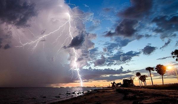 Άστατος καιρός με βροχές και καταιγίδες