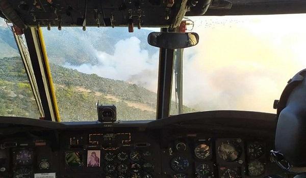 Εύβοια: Συγκλονιστικές εικόνες της ΠΥ και του στρατού από επιχειρήσεις ελικοπτέρων στο μέτωπο της φωτιάς
