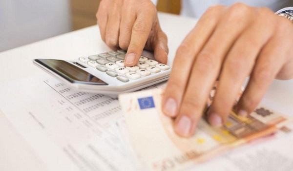 Τα ποσά που διεκδικούν οι συνταξιούχοι από μειώσεις και δώρα