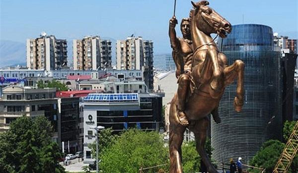 Τι θα αναγράψουν οι Σκοπιανοί στα αγάλματα του Αλεξάνδρου και του Φιλίππου