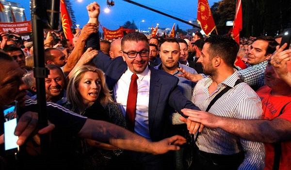Σκόπια: Στο αέρα η Συμφωνία των Πρεσπών - Αποχώρησαν οι βουλευτές του VMRO
