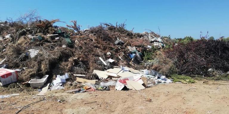 Χαλκιδική: Πνίγονται στα σκουπίδια οι οικισμοί της Ποτίδαιας