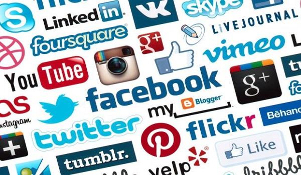 Γιατί πρέπει να χαλαρώσεις λίγο με τα social media