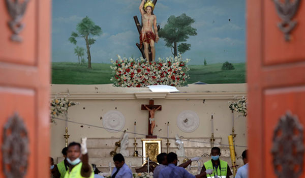 Επιθέσεις στη Σρι Λάνκα: Στους 359 αυξήθηκε ο αριθμός των νεκρών
