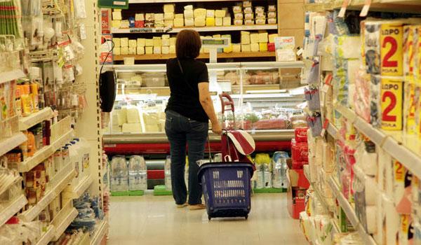 Σε ποια προϊόντα μειώνεται από Δευτέρα ο ΦΠΑ στο 13%
