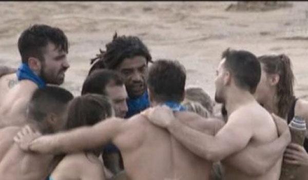 Survivor 2: Απόρησε η Χατζίδου με τους Μαχητές. Βίντεο