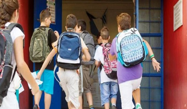 Πότε ανοίγουν τα σχολεία - Τι ώρα θα χτυπήσει το πρώτο κουδούνι