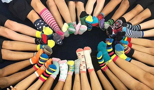 Παγκόσμια Ημέρα για το Σύνδρομο Down #downsyndrome: Σήμερα φοράμε όλοι αταίριαστες κάλτσες