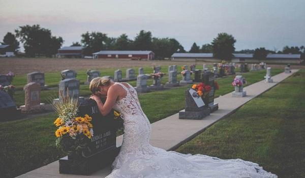 Η σπαρακτική φωτογραφία  της νύφης και η τραγική ιστορία