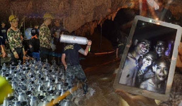 Ταϊλάνδη: Προσφορές στα πνεύματα του σπηλαίου για τη διάσωση των 12 αγοριών