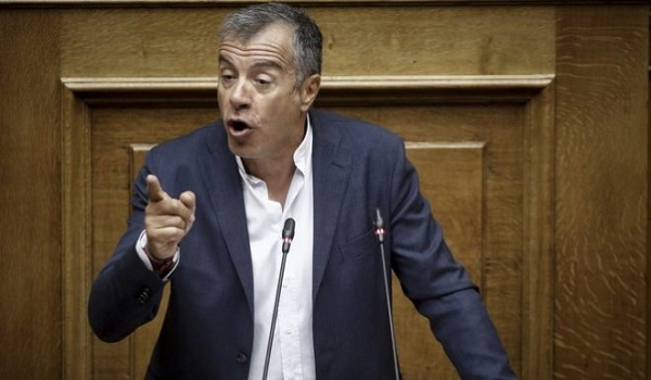 Θεοδωράκης: Η συμφωνία Τσίπρα- Ζάεφ είναι το βήμα που πρέπει να κάνουμε