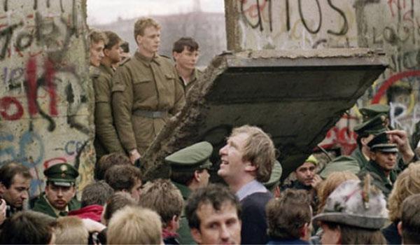 Η νύχτα που άλλαξε τον κόσμο - 30 χρόνια από την πτώση του Τείχους του Βερολίνου