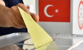 Κρίσιμες εκλογές στην Τουρκία: Στις 17:00 κλείνουν οι κάλπες, στοίχημα για τον Ερντογάν