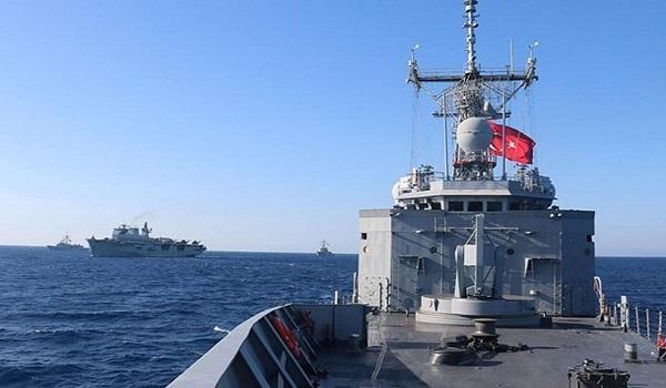 Τέσσερις τουρκικές φρεγάτες ανοιχτά της Λιβύης