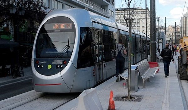 Ταλαιπωρία για τους επιβάτες του τραμ – Διακόπηκαν τα δρομολόγια
