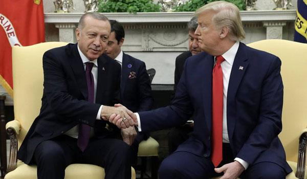 """Τραμπ-Ερντογάν: """"Σόου φιλίας"""", αλλά και καρφιά για S-400, Patriot, Γκιουλέν και Αρμενία"""