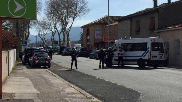 Νεκρός ο δράστης της ομηρείας σε σούπερ μάρκετ της Νότιας Γαλλίας