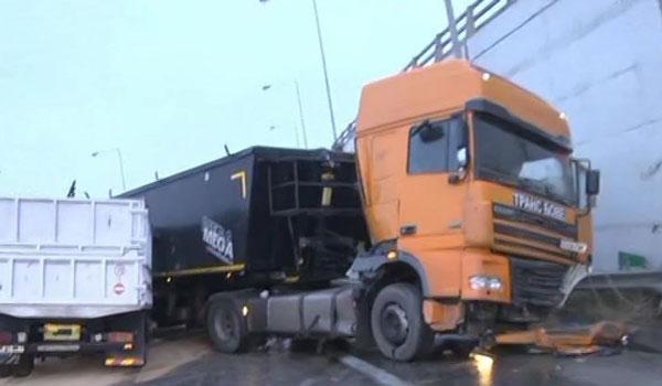 Θεσσαλονίκη: Καραμπόλα επτά οχημάτων στην Εγνατία Οδό
