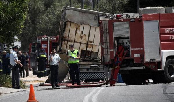 Παραμένει αποκλεισμένη η Κορωπίου - Μαρκοπούλου μετά το θανατηφόρο τροχαίο