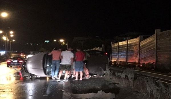 Καραμπόλα στην εθνική οδό Θεσσαλονίκης - Μουδανιών με τρεις τραυματίες