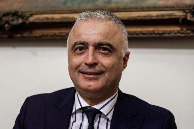 Βουλευτής ΝΔ: Λαμβάνει βουλευτική αποζημίωση αλλά ταυτόχρονα είναι και έμμισθος υπάλληλος δήμου