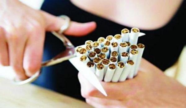 Φωτιά έχει πάρει το 1142: Ένας στους δέκα παίρνει για να κόψει το κάπνισμα