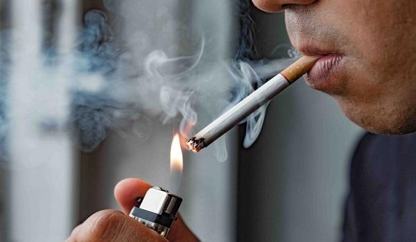 Λάρισα: Καφενείο αποκλειστικά για καπνιστές - Το παραθυράκι του αντικαπνιστικού νόμου