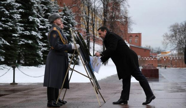 Η ευχάριστη μουσική έκπληξη του Πούτιν στον Τσίπρα με… Μαρινέλλα!