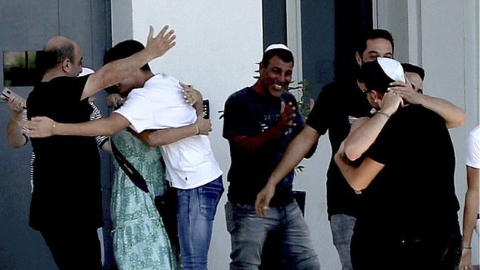 Ψεύτικος βιασμός στην Κύπρο: Χοροπηδούσαν από χαρά οι 12 Ισραηλινοί μετά την αποφυλάκιση